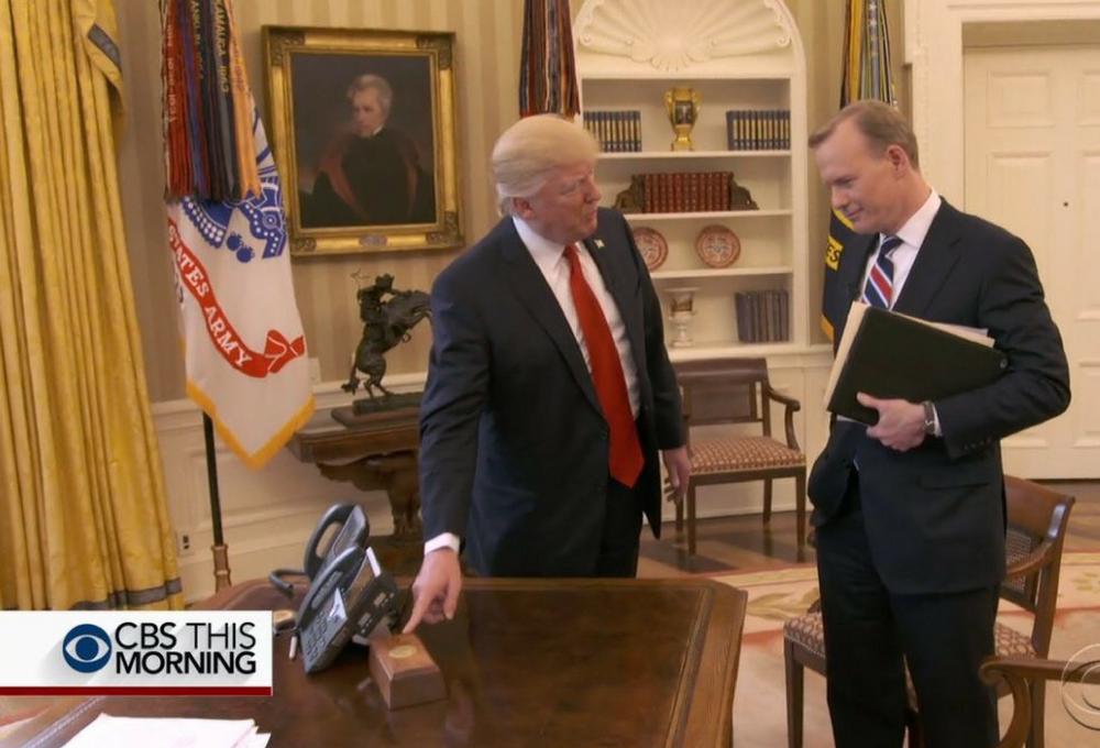 Donald-Trump_boton-rojo.png