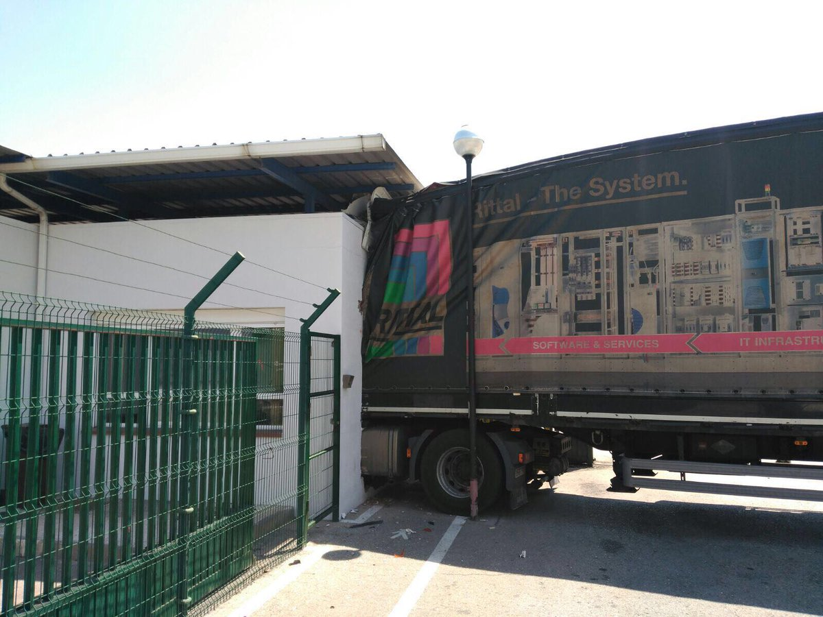 camion-fabrica.jpg